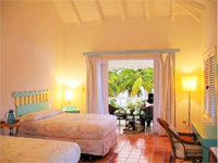 Todo Blanco Hotel - One of the Best Small Hotel in Las Galeras Dominican Republic. Beachfront Boutique Hotel right downtown Las Galeras. Todo Blanco : Great Hotel and Accommodation in Las Galeras DR.